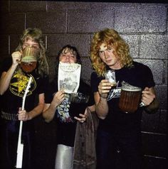 Metallica... n yeeeeees thats Dave Mustaine....    (Mena    =)