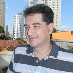 Eduardo Ritschel é jornalista, administrador de empresas e especialista em gestão de mudança, atua há 25 anos na área de comunicação corporativa, com passagens pela BASF e Nestlé. Leia seu artigo 'Comunicação não é placebo'.
