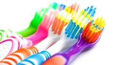 11 raisons pour ne pas jeter vos vieilles brosses à dents!