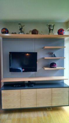 Men's bedroom. Oak wood, natural tones. Leather. Lighting.
