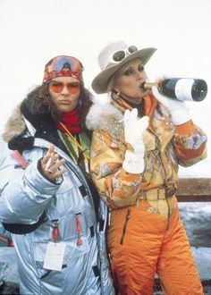 Jennifer Saunders and Joanna Lumley skiing - Absolutely Fabulous Apres Ski Outfit, Apres Ski Party, Patsy And Eddie, Today's Sermon, Jennifer Saunders, Ski Outfits, Ski Bunnies, Joanna Lumley, Ab Fab