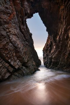Beautiful visual of Arch Rock - Keurboomstrand, South Africa. Places To Travel, Places To See, Jacob Zuma, Thinking Day, Belleza Natural, Africa Travel, Historical Sites, Wonders Of The World, Beautiful Places
