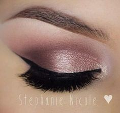 Love this blush rose gold eye color!!