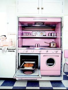 This comforting shade of pink was quite popular with kitchen-appliance manufacturers in the 1950s.