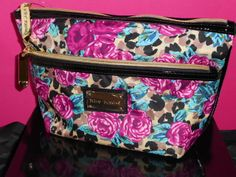 NWT Betsey Johnson Misty Roses Trapezoid Case. Starting at $1 on Tophatter.com!