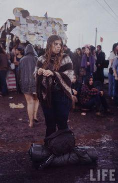 The Woodstock Music And Art Fair 1969 Woodstock, Festival Woodstock, Woodstock Photos, Woodstock Hippies, Woodstock Music, Rare Photos, Photos Du, Cool Photos, Vintage Photos