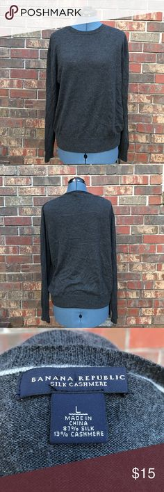 Banana Republic Silk/cashmere blend men's sweater Men's silk/cashmere blend sweater, has minor pilling in underarm area but other than that it's soft and in good shape Banana Republic Sweaters Crewneck