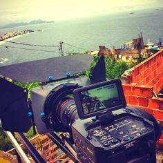 Morro do Vidigal, Rio de Janeiro, RJ (Brasil) Foto de @vitao_fotocine http://instagr.am/p/JfzCOFF1Ca/
