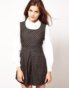 Lowie Sleeveless Shift Dress with Pockets