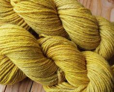 Schurwolle 4-fach 200m LL 100g - pflanzengefärbt * Johanniskraut gelb