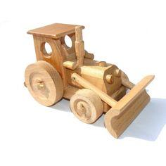 _vyr_68dreveny-traktor-s-radlici-500x500.jpg (500×500)