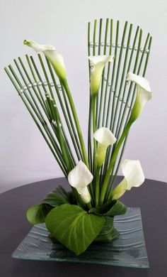 30 Pictures of Japanese Art Of Flower Arrangement, Ikebana Contemporary Flower Arrangements, Tropical Floral Arrangements, White Flower Arrangements, Creative Flower Arrangements, Ikebana Flower Arrangement, Ikebana Arrangements, Floral Centerpieces, Tropical Flowers, Yellow Flowers