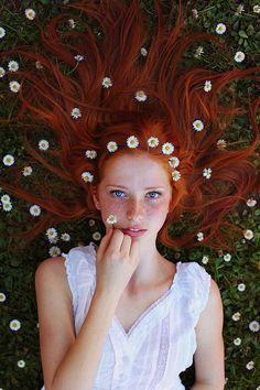 Imagem de girl, flowers, and hair