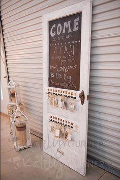 Shabby Chic wedding decoration. Vintage door decorations. Want!!!!!