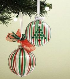 DIY Ornaments with Sharpie #holidaycraft #DIY #Sharpie