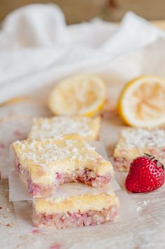 Paleo Coconut Strawberry and Lemon Bars simple paleo dessert Dessert Sans Gluten, Paleo Dessert, Gluten Free Desserts, Dessert Recipes, Pastas Recipes, Paleo Recipes, Real Food Recipes, Yummy Food, Juicer Recipes