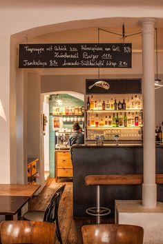 Zwischenzeit Lokal (c) STADTBEKANNT - Das Wiener Online Magazin Liquor Cabinet, Restaurants, Storage, Furniture, Home Decor, Diners, Homemade Home Decor, Larger, Home Furnishings