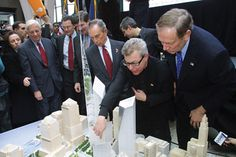 architect Daniel Libeskind and Mayor Michael Bloomberg at the unveiling of a model of Libeskind's plans for the site