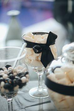 Sweet Table Black & White Wedding