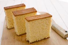 C'est la première fois que je réalise un gâteau japonais (Kasutera). La recette m'a fait de l'œil au détourd'une photo aperçue sur unmagazine de cuisine. J'ai tout de suite eu envie de l'adapter en sans gluten ni lactose. On en...