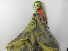 Garden Green Gown for Monster High by FreakGearbyHM on Etsy, $20.00