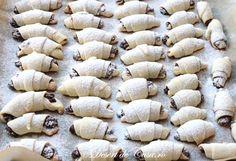 Vegan Desserts, Dessert Recipes, Dessert Ideas, Kiflice Recipe, Homemade Sweets, Romanian Food, Mary Berry, Christmas Nail Art, Cupcake Cookies