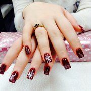 When it comes to mesmerizing manicures and daring nail art designs Contact styleglamsalon.com/ we provide you one of the best packages who fix in your budget Fresh Meadows, Ny Style, Colored Highlights, Manicure And Pedicure, Manicures, Nail Art Designs, Salons, Hair Cuts, Things To Come