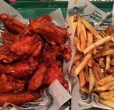 Chicken wings the best! Food Truck, Food Goals, Recipes From Heaven, Aesthetic Food, Food Cravings, I Love Food, Soul Food, The Best, Foodies