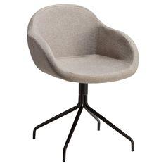 Elegante stoel grijs met zwarte metalen poten. 57x59x81 cm (lxbxh). #stoel #kwantumstijl