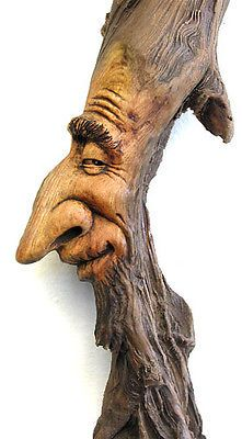 Carving of a wood spirit or goblin. Tree Carving, Wood Carving Art, Wood Carvings, Dremel Wood Carving, Deco Nature, Walking Sticks And Canes, Wood Creations, Driftwood Art, Wooden Art
