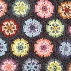 Working on a little blanket with Merino Soft by Scheepjes. #crochet #häkeln #ganchillo #haken #crochetblanket #crochetglower #merinosoft #scheepjes