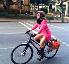 This colorful coral Loop Pannier photo made Sarah our July fan photo winner! Bike Bag, Yoga Bag, Bike Style, Dress Skirt, Biker, Wheels, Bicycle, Coral, Action