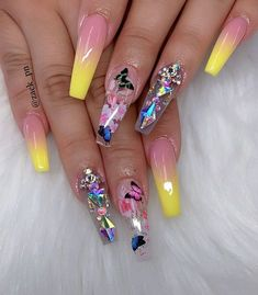 Make an original manicure for Valentine's Day - My Nails Bling Acrylic Nails, Glam Nails, Summer Acrylic Nails, Best Acrylic Nails, Fancy Nails, Bling Nails, Pretty Nails, My Nails, Coffin Nails