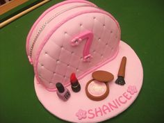 Girly, make up handbag Birthday Cakes, Girly, Make Up, Anniversary Cakes, Maquillaje, Makeup, Girly Girl, Birthday Cake, Beauty Makeup