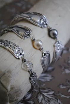 Silver spoon jewelry - fantastic design.