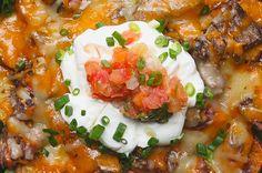 Aprenda a fazer os nachos de carne com batata: | Sua vida nunca mais será a mesma depois de preparar estes nachos de carne e batata