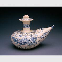 Blue and white kendi Vietnam, 15th-16th century porcelain Collection Phoenix Art Museum,  2000.107.A