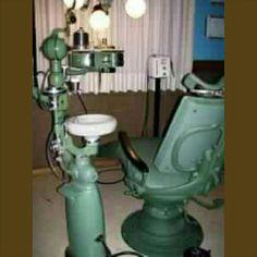Good ol dentist room.