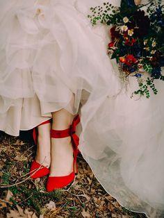 Snow White Wedding, White Wedding Dresses, Autum Wedding, Wedding Beach, Princess Aesthetic, Disney Aesthetic, Rapunzel, Disney Fine Jewelry, Anna Y Elsa