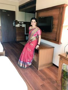 Dhivyadharshini new stills VJ Dhivyadharshini 2017 New HD Images Most Beautiful Hollywood Actress, Beautiful Bollywood Actress, Most Beautiful Indian Actress, Saree Kuchu Designs, Silk Saree Blouse Designs, Soft Silk Sarees, Chiffon Saree, Sonam Kapoor, Deepika Padukone