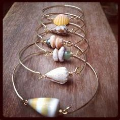 Shell Bangles Clasp Style Gold Filled and by PeaceOfKauai Seashell Jewelry, Seashell Crafts, Sea Glass Jewelry, Wire Jewelry, Beaded Jewelry, Handmade Jewelry, Jewlery, Wire Crafts, Jewelry Crafts