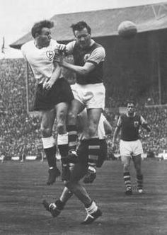 A very Happy Birthday to Spurs legend Terry Medwin (1956-1963) who is 83 today! #THFC @Medwin7