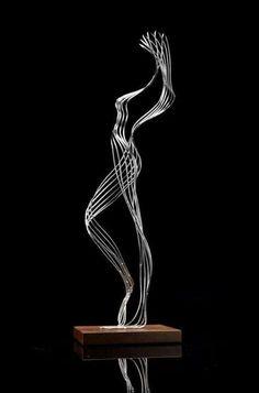 Martin Debenham esculturas alambre metal 15 Over the course of the woman's five-decade job, artist Wire Art Sculpture, Human Sculpture, Steel Sculpture, Abstract Sculpture, Wire Sculptures, Textile Sculpture, Garden Sculptures, Metal Sculpture Artists, Bronze Sculpture