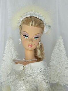 Silver Belle Holiday Barbie by Joby Originals Barbie Bridal, Barbie Wedding, Barbie Fashion Royalty, Fashion Dolls, Gorgeous Guys, Beautiful Dolls, Barbie Dress, Barbie Clothes, Barbie Stories