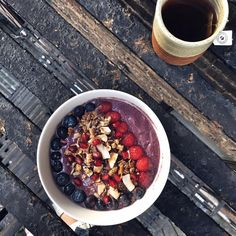 5 Morning Rituals To Start Your Day With Magic: Acai Bowl & Dandelion Tea