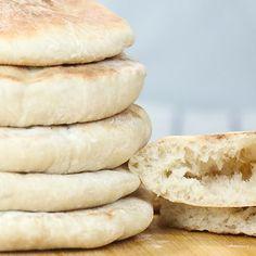 Pita Recipes, Easy Bread Recipes, Baking Recipes, Bread Recipe Video, Best Bread Recipe, Vegan Pita Bread Recipe, Pan Arabe, Homemade Pita Bread, Pain Pita