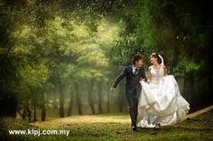 Google Image Result for http://klweddings.files.wordpress.com/2011/03/enya-mareine-keda-z-kl-pj-wedding-fair-2011-1.jpg