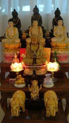 home altar |