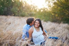 Pregnancy-love-couple Sesión embarazo - Mcallen Magaly Gisel Photography http://www.magalygisel.com