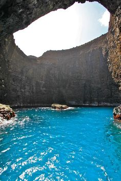 na pali cave. glory, kauai